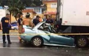 Así quedó el vehículo involucrado en el accidente fatal ocurrido en la carretera PR-2, en Hatillo (Suministrada).