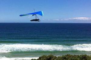 """La persona desaparecida volaba en un """"hang glider"""" similar a este (Archivo)."""