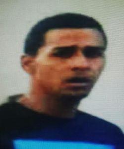 Este sujeto es buscado por la Policía como sospechoso de varios robos ocurridos en Mayaguez (Suministrada Policía).