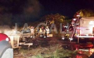 Bomberos y personal de Rescate trabajaban en la escena (Suministrada West Coast Fire, Rescue & Emergency Medical Corp).