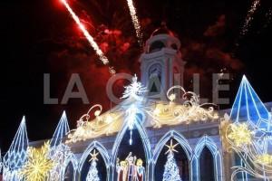 La Casa Alcaldía de Mayagüez durante el encendido navideño (Suministrada).