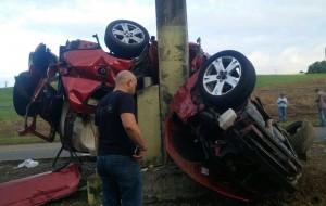 """Condición en que quedó el vehículo involucrado en un accidente fatal en Bayamón. Haga """"click"""" sobre la imagen para ampliarla (Suministrada Policía)."""