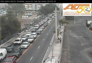 El tapón hacia el Viejo San Juan, el sábado a las 12:22 del mediodía, tomado por una de las cámaras del DTOP (DTOP Traffic Cam).