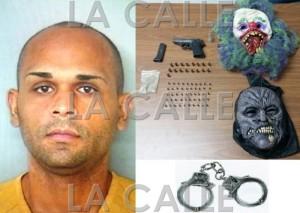 Foto de la ficha y el arma, balas y mascaras ocupadas a Héctor de Jesús Ríos Delgado (Suministrada Policía - Fotomontaje LA CALLE Digital).