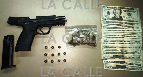 Arma, balas, marihuana y dinero confiscado en San Sebastián (Suministrada Policía).