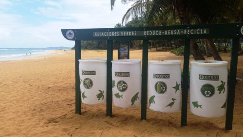 Por favor, no deje basura tirada en las playas. Para eso están los zafacones (Suministrada DRNA).
