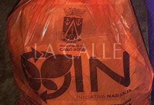 La bolsa anaranjada que se utiliza en Cabo Rojo.