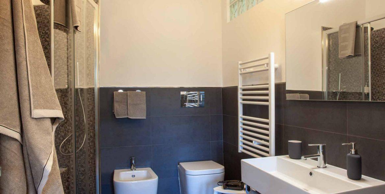 Giacinto Celeste bathroom