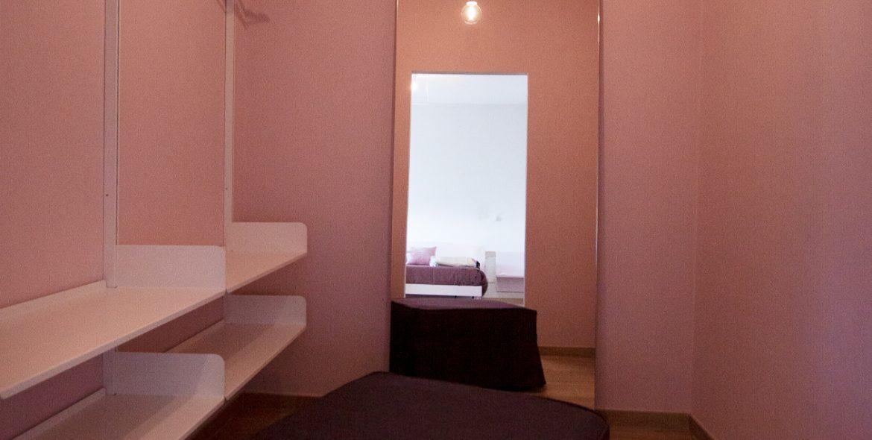 Orchidea Fucsia Closet Room