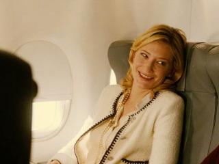 Blue Jasmine - Cate Blanchett im Flugzeug 2