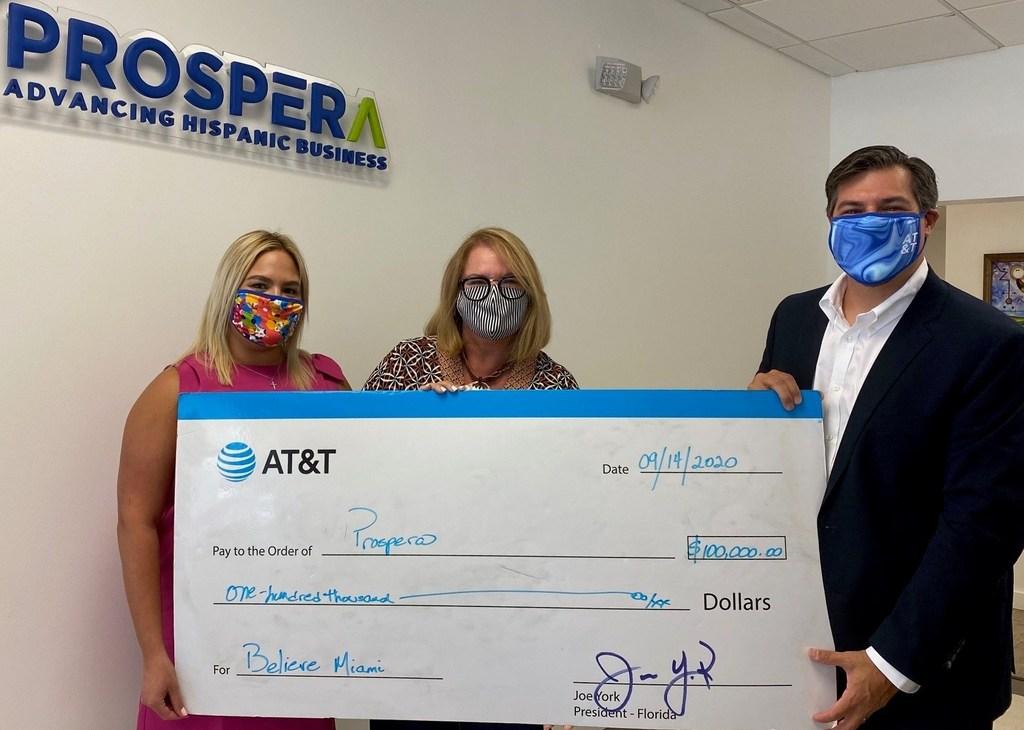 AT&T dona $100,000 para apoyar a los empresarios del sur de Florida