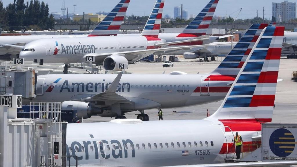 Las aerolíneas American y United anuncian el despido de 32.000 trabajadores