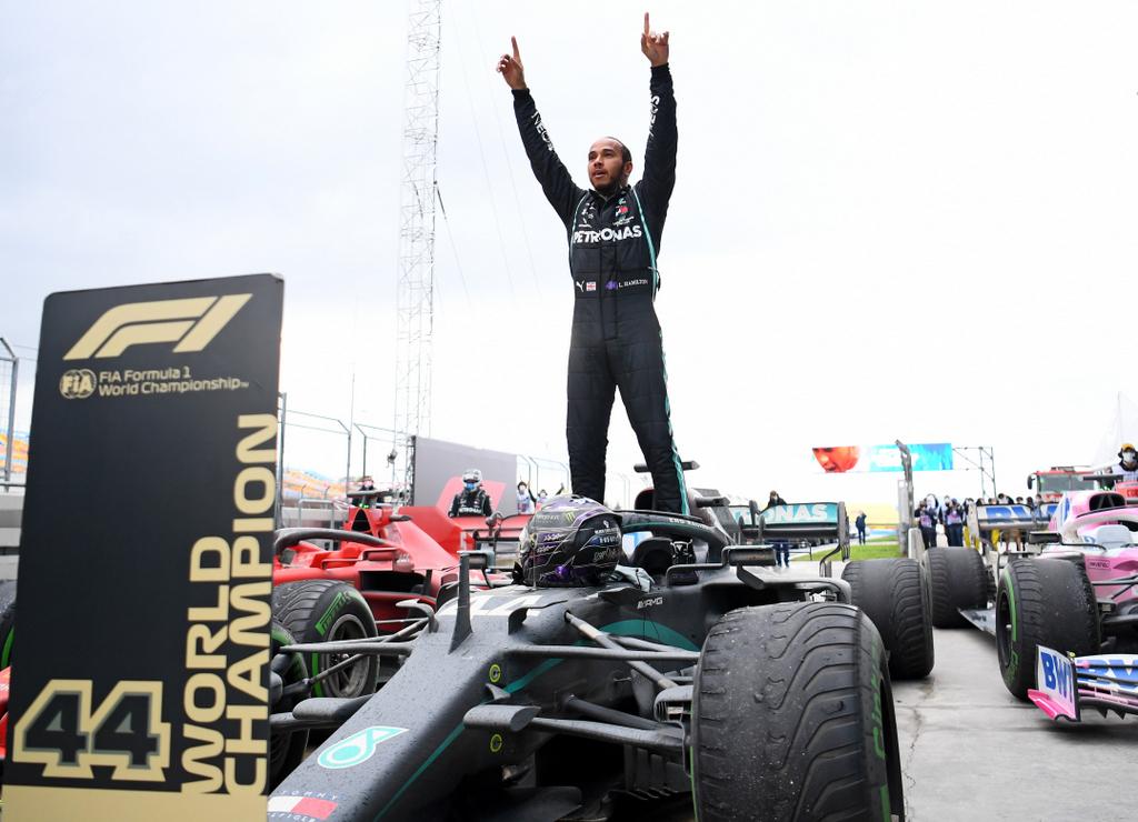 Hamilton iguala el récord de campeonatos en la F1 tras ganar el GP de Turquía