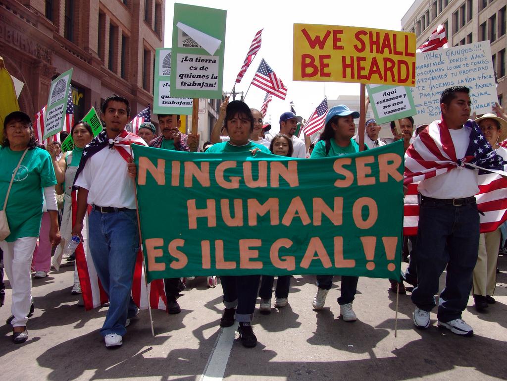 Estadounidenses cada vez más receptivos a inmigración pese a ataques de Trump