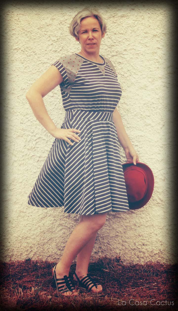Itch to Stitch: Oceanside Dress