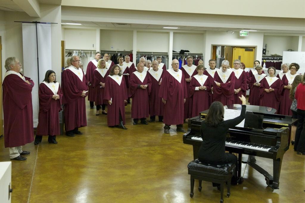Sanctuary Choir Practice - La Casa de Cristo Scottsdale, Arizona Lutheran Church