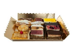 Bandeja de pasteles grandes variados