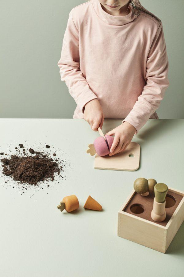 Boite à planté en bois. découpe légumes kids concept