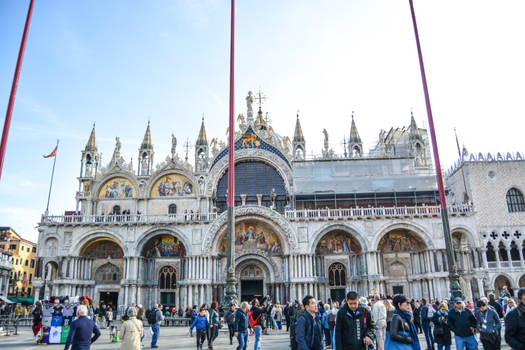 How to Conquer Venice's St. Mark's Square - Travel- @lacegraceblog1