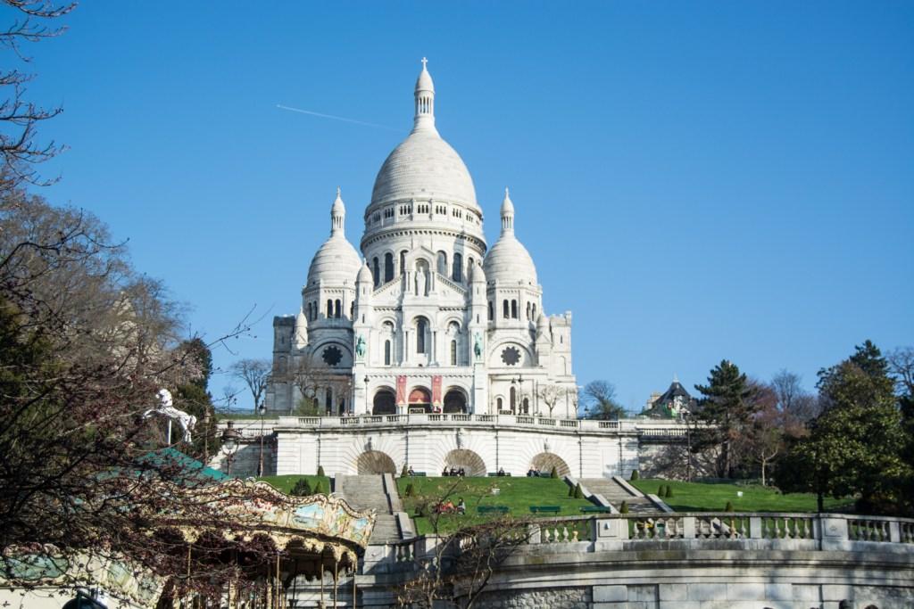 Montmartre's Gorgeous Sacre Coeur - Paris Travel - @lacegraceblog1