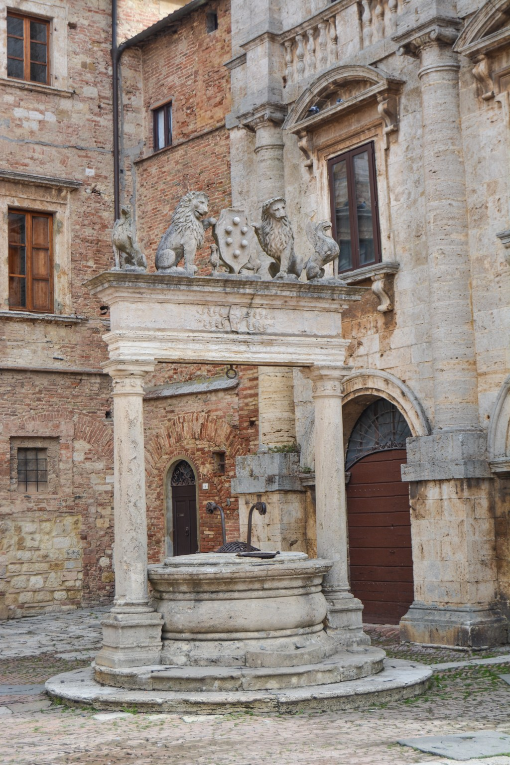 Steep Tuscan Town of Montepulciano- Italy Travel - @lacegraceblog1