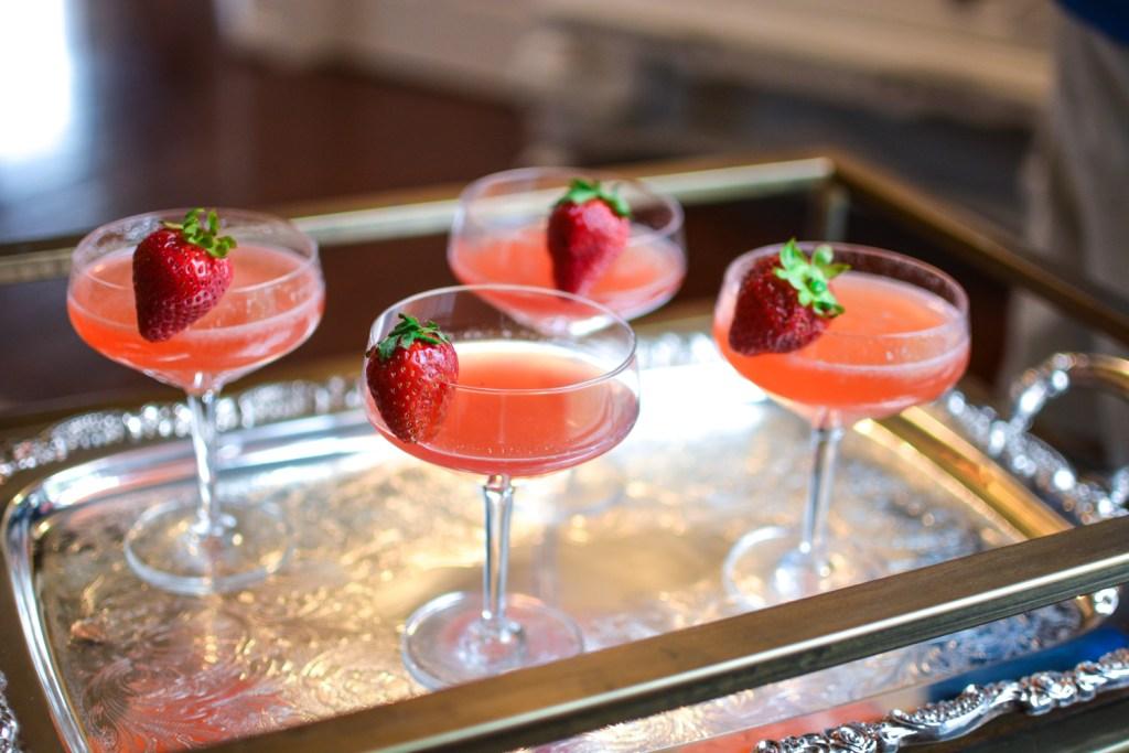 Summer Strawberry Sparkler Cocktail - Recipes - @lacegraceblog1