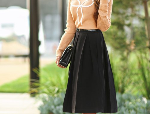 fashion blogger, petite fashion blog, fashionista, lace and locks, los angeles fashion blogger, full skirt, modcloth, outfit of the day, affordable fashion, asian fashion blogger, streetstyle, midi skirt, bow shoes, bow sweater
