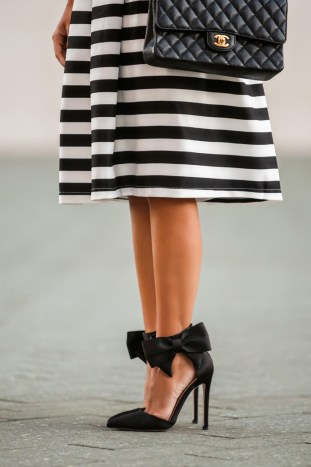 fashion blogger, petite fashion blog, lace and locks, los angeles fashion blogger, morning lavender, striped midi skirt, black and white stripe skirt, bow shoes, black bow shoes