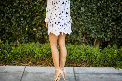 petite fashion blog, lace and locks, los angeles fashion blogger, spring fashion, morning lavender boutique, lace kimono, navy romper