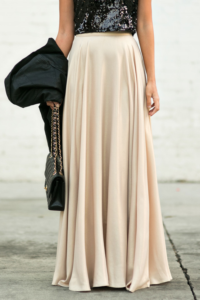 petite fashion blog, lace and locks, los angeles fashion blogger, gold maxi skirt, sequin crop top, holiday gold skirt, holiday outfit ideas, oc blogger