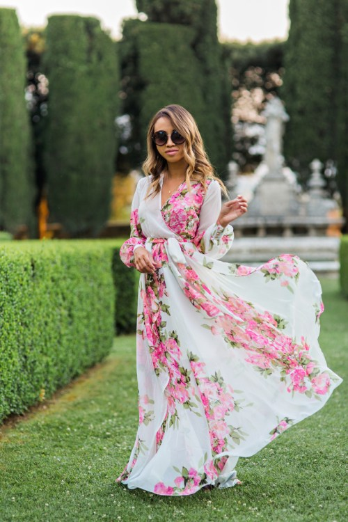 petite fashion blog, lace and locks, morning lavender dress, floral maxi dress, longsleeve maxi dress, tuscany, la foce, travel blogger, italy blogger