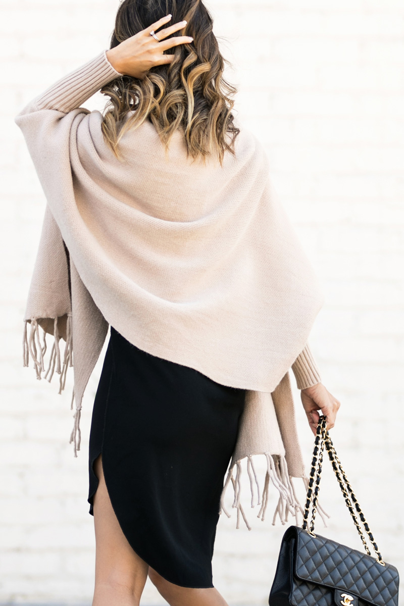 petite fashion blog, lace and locks, los angeles fashion blogger, oc fashion blogger, fringe shawl, morning lavender boutique, feminine fashion, cute cape sweaters for women