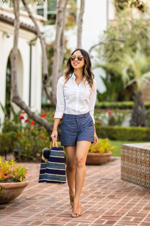lace and locks, petite fashion blogger, spring trends, eyelet shorts, straw tote, los angeles blogger, orange county fashion blogger, cute mules