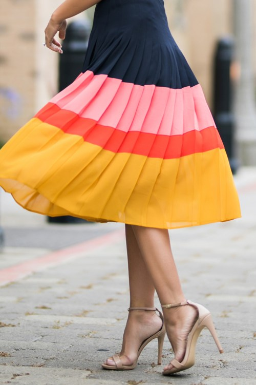 petite fashion blog, lace and locks, LA fashion blogger, orange county fashion blogger, pleated skirt, midi skirt, colorblock skirt, ann taylor skirt
