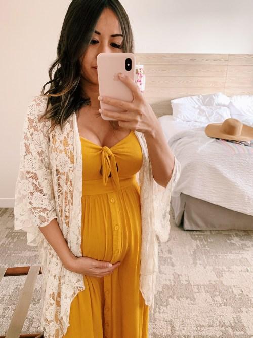 lace and locks, maternity photos, hawaii photos, travel blogger, pregnancy photos
