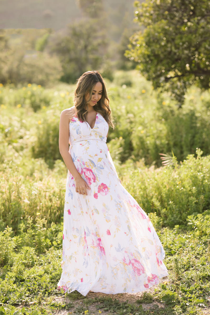 maternity fashion, dressing the bump, lace and locks, floral maxi dress, petite fashion blogger