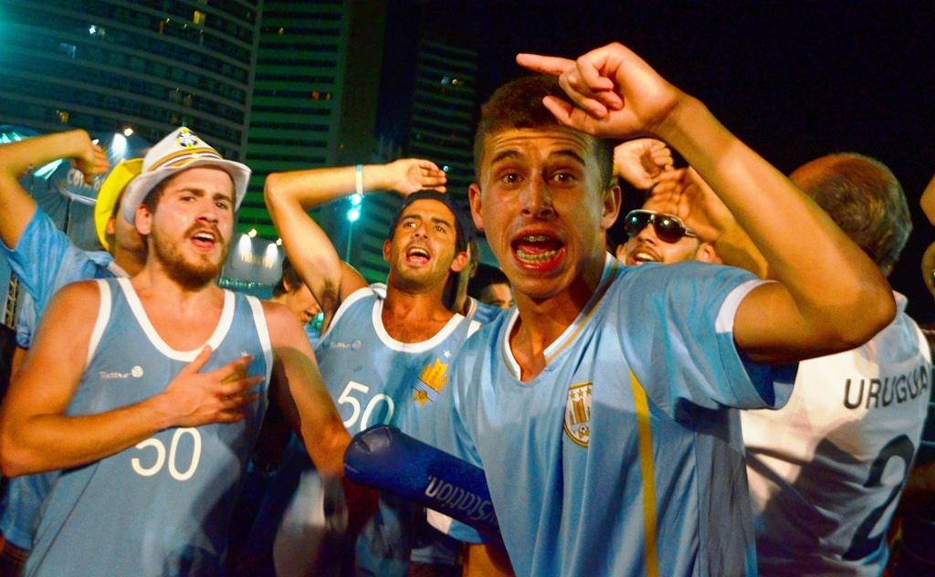 "A favor y en contra: ""La Fan Fest Uruguay"""