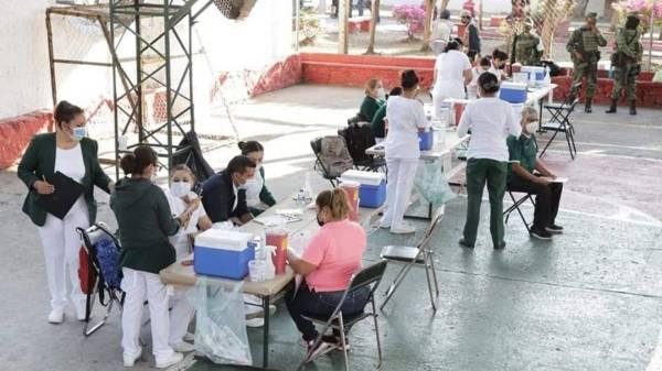 En Cuernavaca las personas tardan 40 minutos en recibir su vacuna contra Covid-19