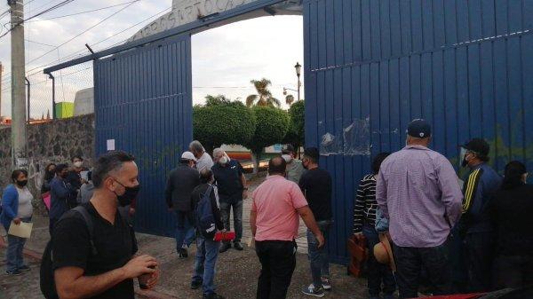 Hubo conflictos durante la jornada de vacunación para docentes en Morelos