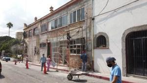 Zócalo y edificio de la presidencia municipal de Jiutepec son embellecidos