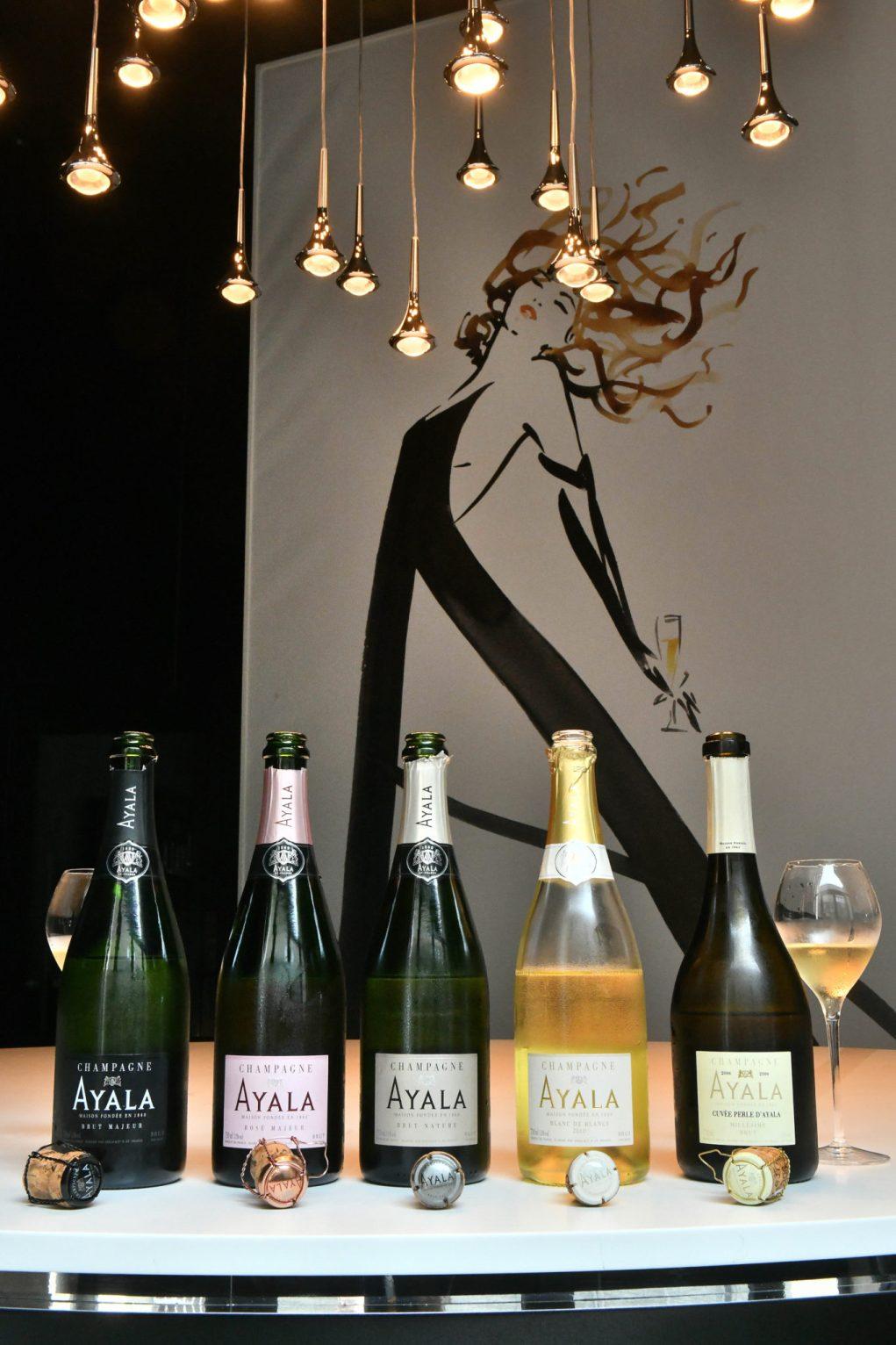 La grâce des vins Ayala dans les bras de l'égérie de Canetti.