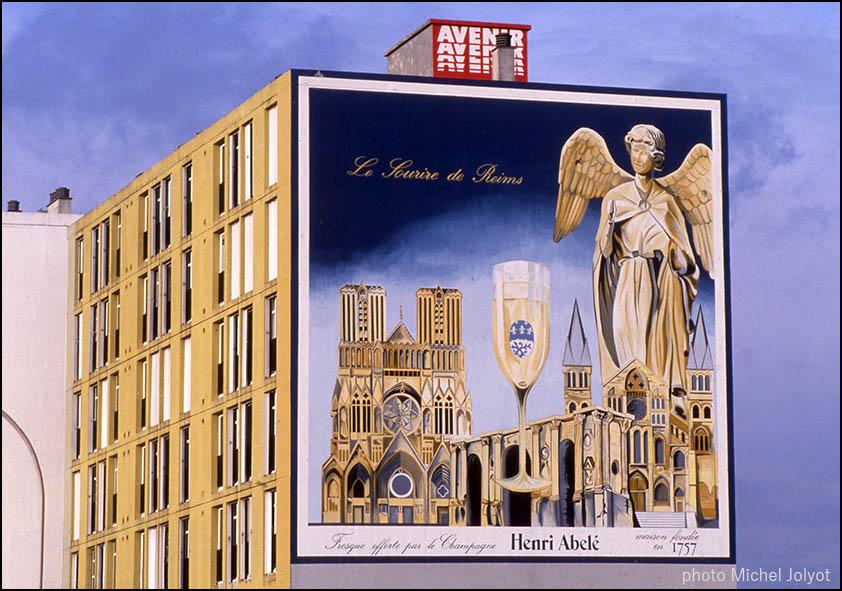 """Le champagne Henri Abelé """"Le Sourire de Reims"""" serait en vente."""