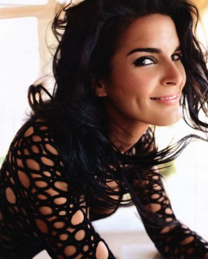 Angie Harmon - the perfect Vinnie
