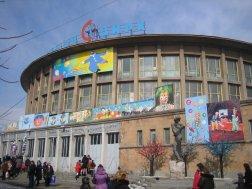 Circo de Yerevan de 1939, reformado en 1962. arq. Vagharshak Belubekian. Actualemente en reconstrucción.