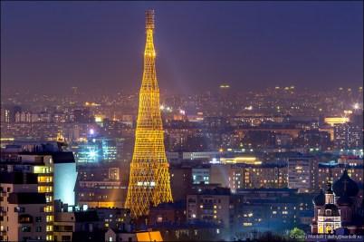 La torre Shabolovka, diseñada por Vladimir Shukhov, en la actualidad.