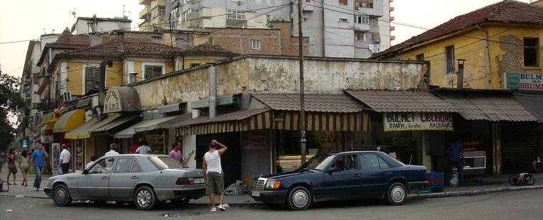 Kioscos ilegales Tirana