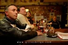 """""""Un dernier verre au Relais de La Cloute, A La Glanerie (Belgique), le rendez-vous de la moto classique"""" Magazzzine L'intégrale"""