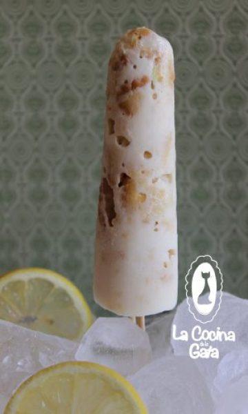 Helados de galletas de limón y yogurt