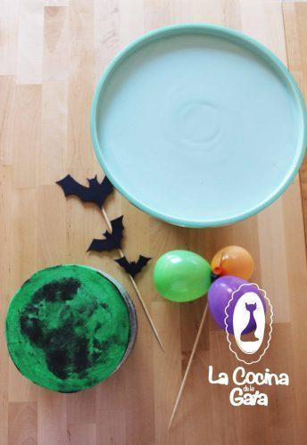 Decorando la tarta para Halloween