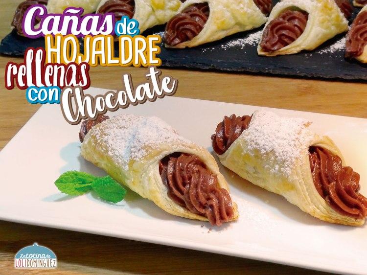 Cañas de hojaldre rellenas de crema pastelera con chocolate